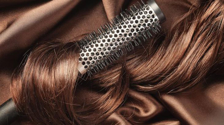 YasamanBeauty-Hair brushing